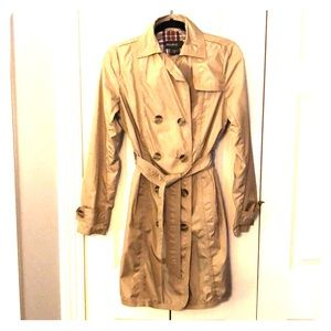 Beige, polyester rain/trench coat.